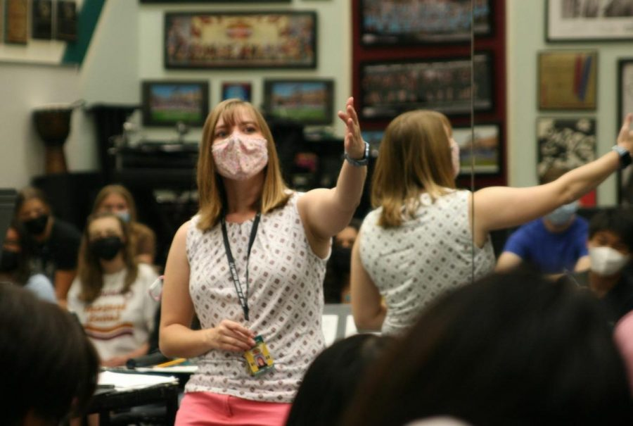 Molly Gooch, choir teacher, instructs her fourth period Masquerade students on Sept. 2. Currently, the first year choir teacher is preparing her students for the Fall Magic choir Shows on Sept. 30 and Oct. 2.
